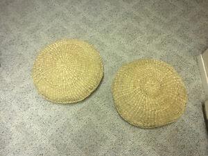 Straw round floor cushion
