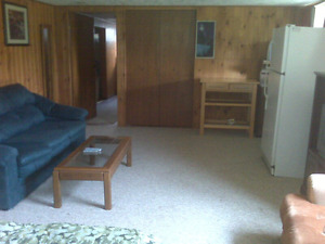 Big Room for Rent like a Bachelor Apartment near  Fleming/Trent