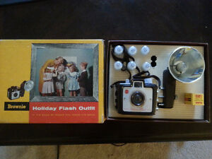 Kodak Brownie Holiday Flash Outfit