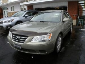 2009 Hyundai Sonata GL Sedan.  Must be seen.