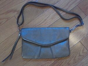Woman's Purse (Gold) **NEW!**