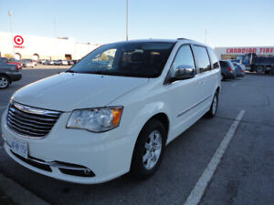 Chrysler Town&Country 2016 WANTED