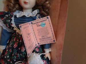 Belle poupée de collection Vanessa, avec son certificat 1995
