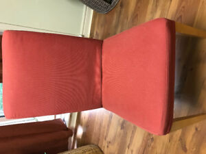 6 Ikea dining chairs red/rose covers