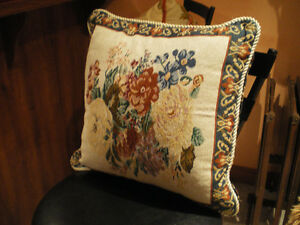 Where can you get Beautiful Decor pillows for $5.00 each