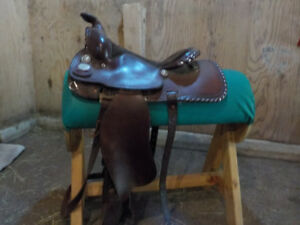 Maverick by Longhorn Western saddle