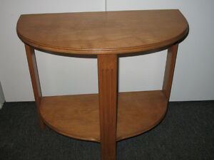 Petite table console