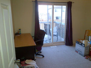 5 Room House-With Master Ensuite/Balcony Walkout