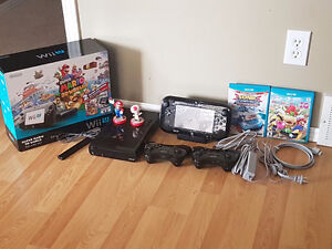 WiiU Deluxe set 32GB with 3 controllers and 4 games
