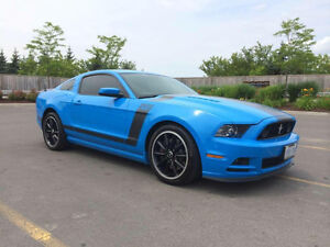 2013 Ford Mustang BOSS 302 - 444HP - 6 Speed - LOW KM $41,800
