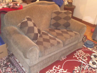 Love seat w Pillows, Brown/Grey with Stripes