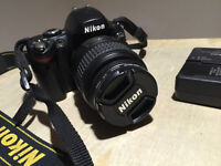 Nikon D40 6.1 MP Digital SLR Camera - Black w/ AF-S DX 18-55mm