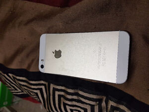Gold iPhone 5s - 16g - Used