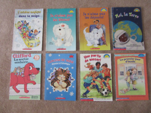 Assortment of French Easy Reader Children's Books.