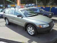 2006 55 VOLVO XC70 2.4 D5 SE AUTO CROSS COUNTRY IN GREEN # 12 SERVICE STAMPS #