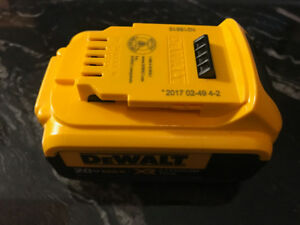Dewalt 20V MAX XR Lithium-Ion 4.0 Ah Premium Battery Pack