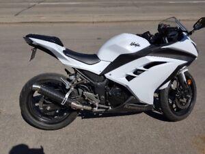 2014 Kawasaki Ninja 300 ABS Model.