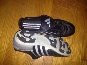 Boys Adidas soccer shoes size 6 Kitchener / Waterloo Kitchener Area image 1