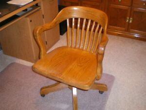 Antique Roxton Solid Oak Swivel Office Chair