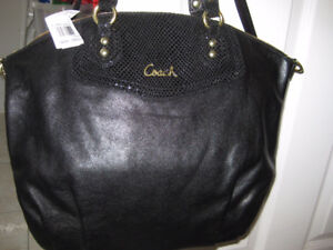 AUTHENTIC COACH leatherNEW , never used.