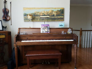 1 AL  Collis Canadian made piano