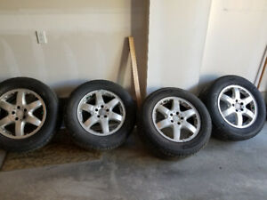 4 Barely used 275 55R 17 Michelin Premier LTX Tires  with Rims