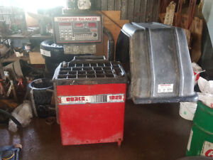 Coats 1050 electronic wheel balancer for sale $1000