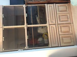 Cupboard/wardrobe/cabinet
