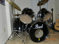 "Pearl ""Export Series""   Black 5 pc Drum set."