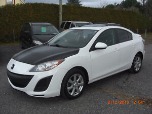 2011 mazda 3 gs,,TOIT,MAGS IMPECABLE,,VISA,MASTER