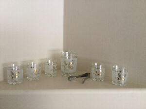 5 glasses, ice bucket and thongs ( 7 piece set)