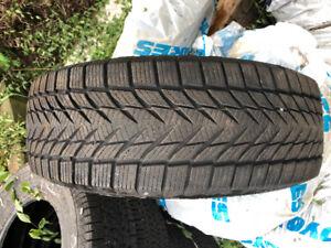 Pneu d'hiver 225 60 r17 winter tire