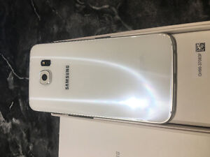 Samsung S6 - white  pearl - Looks New!