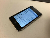 Apple iPod Touch 2nd Gen 8GB MP3 Player Black