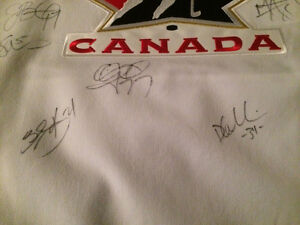 Hockey Jersey Autographed 2007 Women's Hockey Team Kitchener / Waterloo Kitchener Area image 4