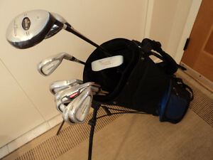 GOLF CLUBS MENS RH SET DELUXE