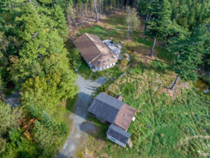 OPEN HOUSE SUN 2-4 Hobby Farm Possibilities + 56' x 36' Bung