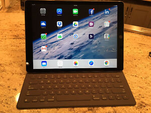 iPad Pro 12.9 with Keyboard