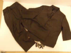 Toddler Boy Tuxedo Size 2 (excellent condition)