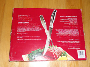 Brand new in box wooden chopping board and steak knives set London Ontario image 2