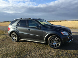 Mercedes Benz ML63 AMG 2011