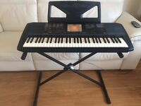 Yamaha PSR 530 digital 61 key touch sensitive keyboard vgc