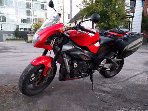 Aprilia Tuono 1000 - Priced to move