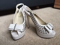 Celeb Boutique Shoes Size 3