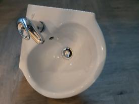 Corner cloakroom sink & tap