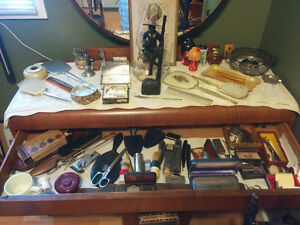 VINTAGE ANTIQUE COLLECTION GROOMING AND VANITY SETS