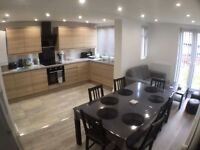 Double room ensuite in luxury house near town centre broomfield
