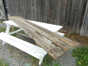 Antiquité: planches de grange