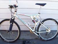 DIAMONDBACK MOUNTAIN BIKE, CHROME FRAME, DUAL AIR SHOCK
