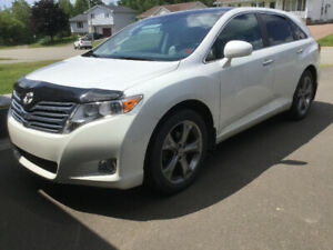 2012 Toyota Venza V6 AWD Premium Touring Package ~63,000kms